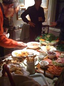 Andrea bravely sampling a crab cake... Si, polpa di granchio!